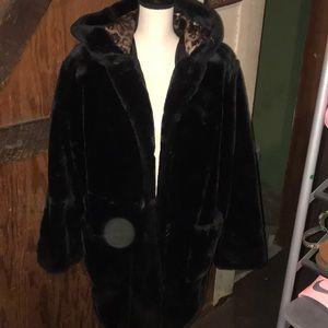 faux blk fur coat nice Vintage